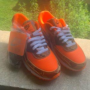 Air Max 90 orange camo
